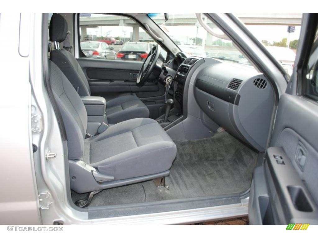 gray interior 2004 nissan frontier xe v6 crew cab photo. Black Bedroom Furniture Sets. Home Design Ideas