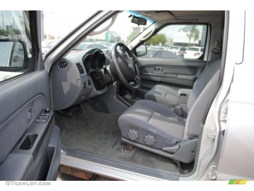 Gray Interior 2004 Nissan Frontier Xe V6 Crew Cab Photo