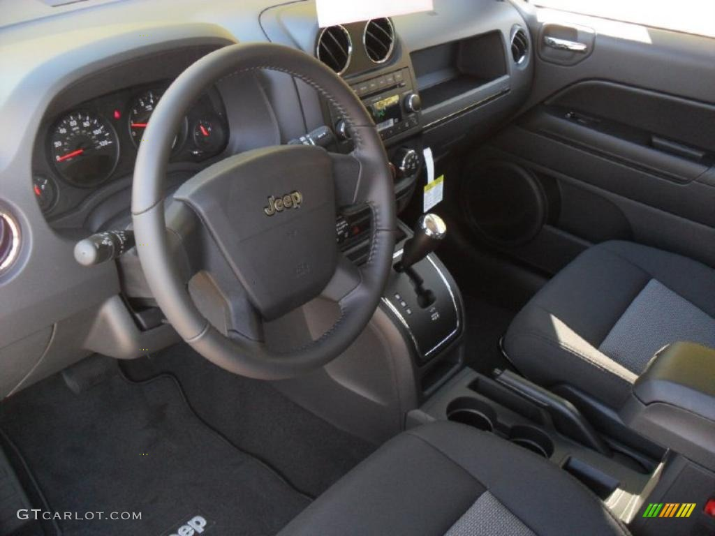 dark slate gray interior 2010 jeep compass latitude photo. Black Bedroom Furniture Sets. Home Design Ideas