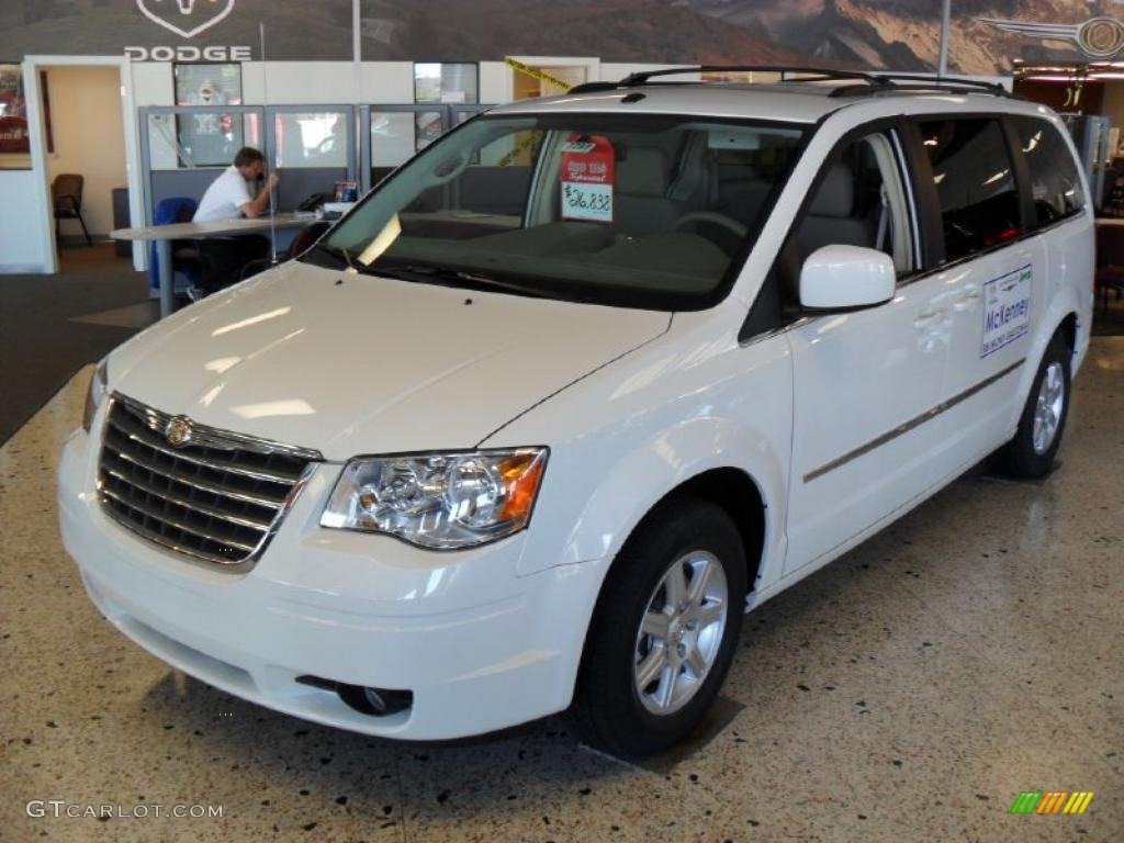 Blue Pearl Clearwater >> 2010 Stone White Chrysler Town & Country Touring #38623166 ...