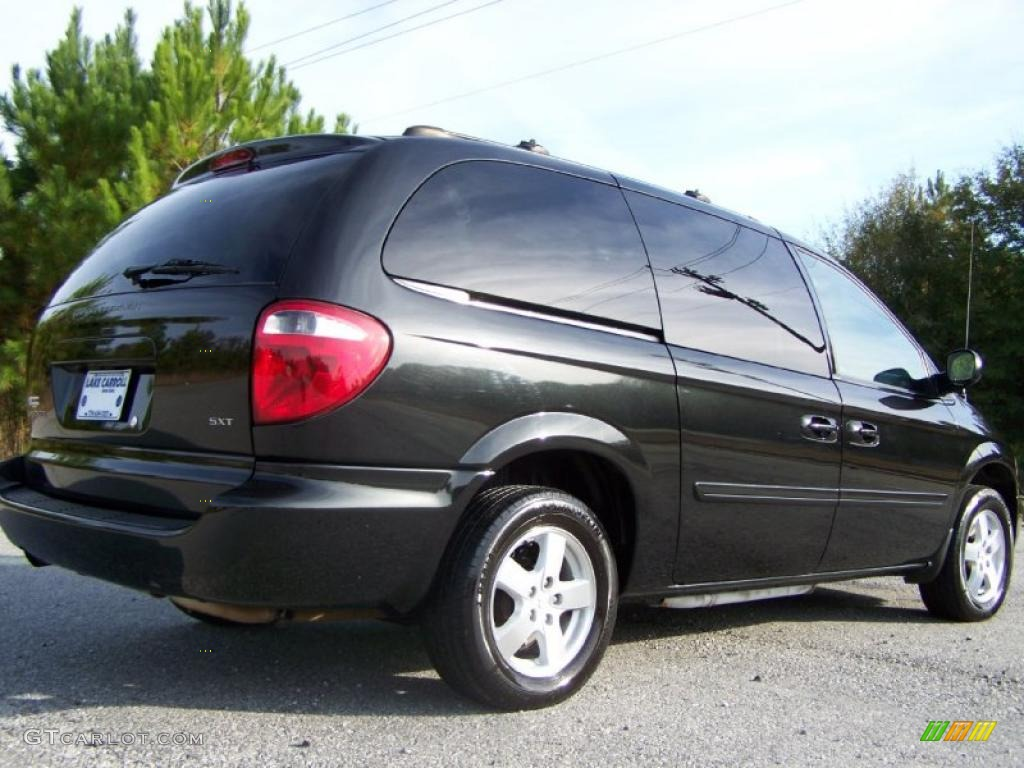 on 1997 Dodge Caravan Black