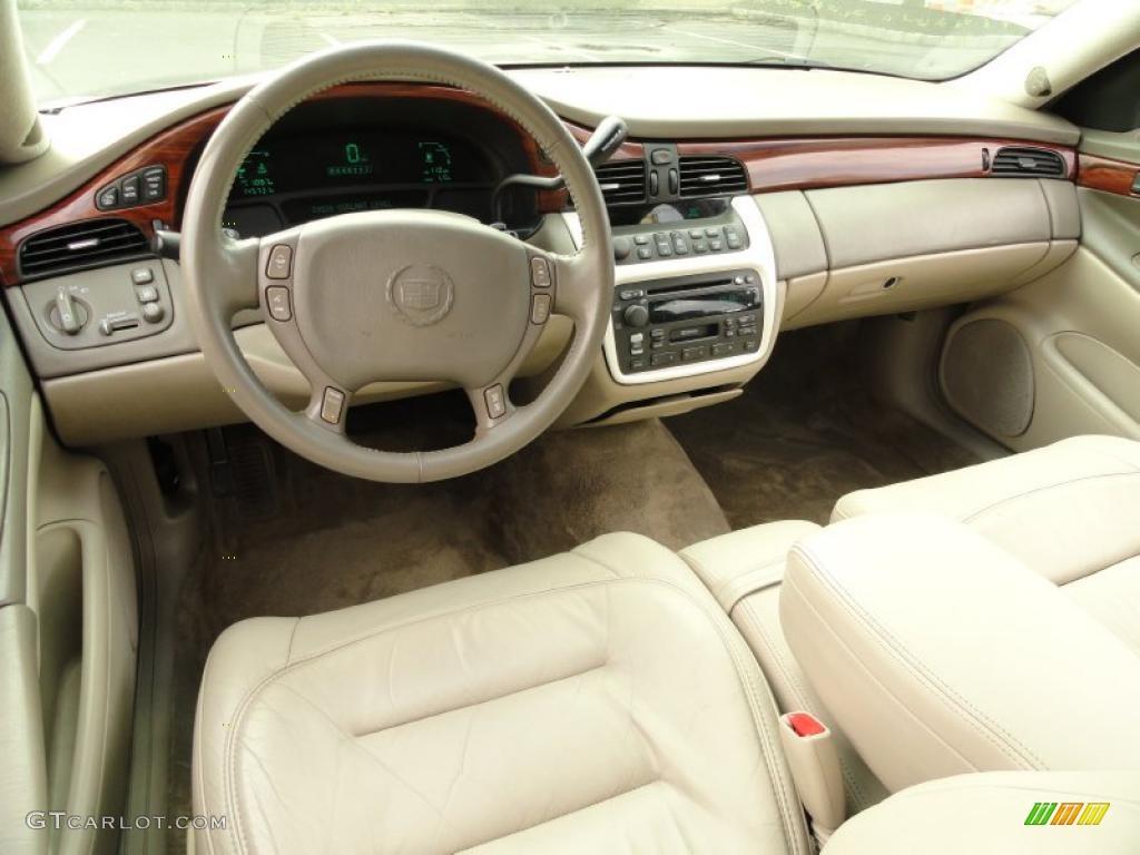 Oatmeal Interior 2002 Cadillac Deville Sedan Photo 38680834