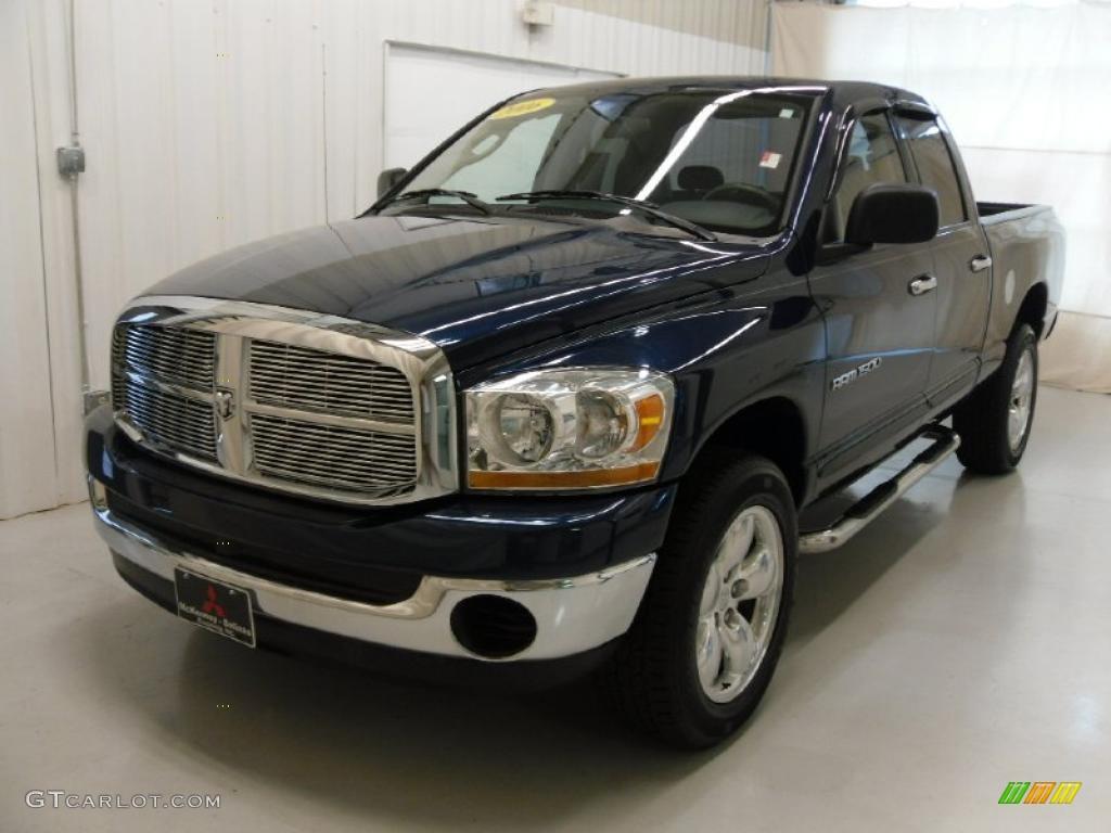 2006 Ram 1500 ST Quad Cab 4x4 - Patriot Blue Pearl / Medium Slate Gray photo #1