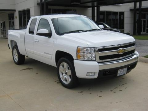 2008 Chevrolet Silverado 1500 LT Extended Cab Data, Info and Specs