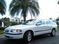White 2001 Volvo V70 T5 Exterior