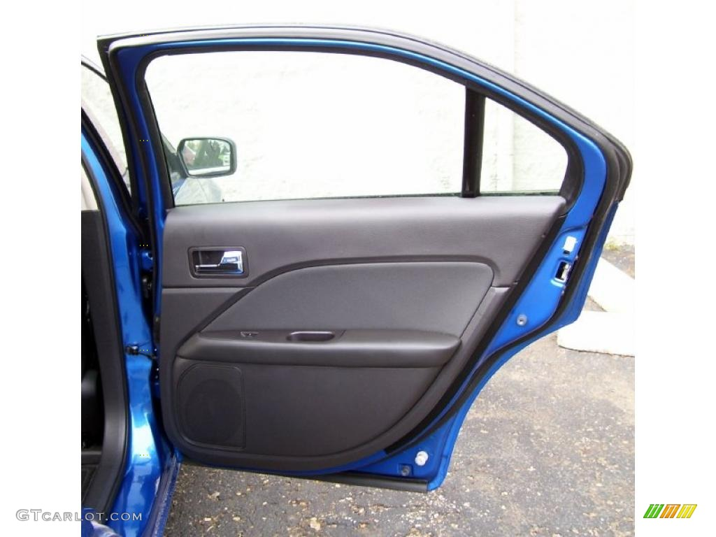 2011 Fusion SE - Blue Flame Metallic / Charcoal Black photo #16