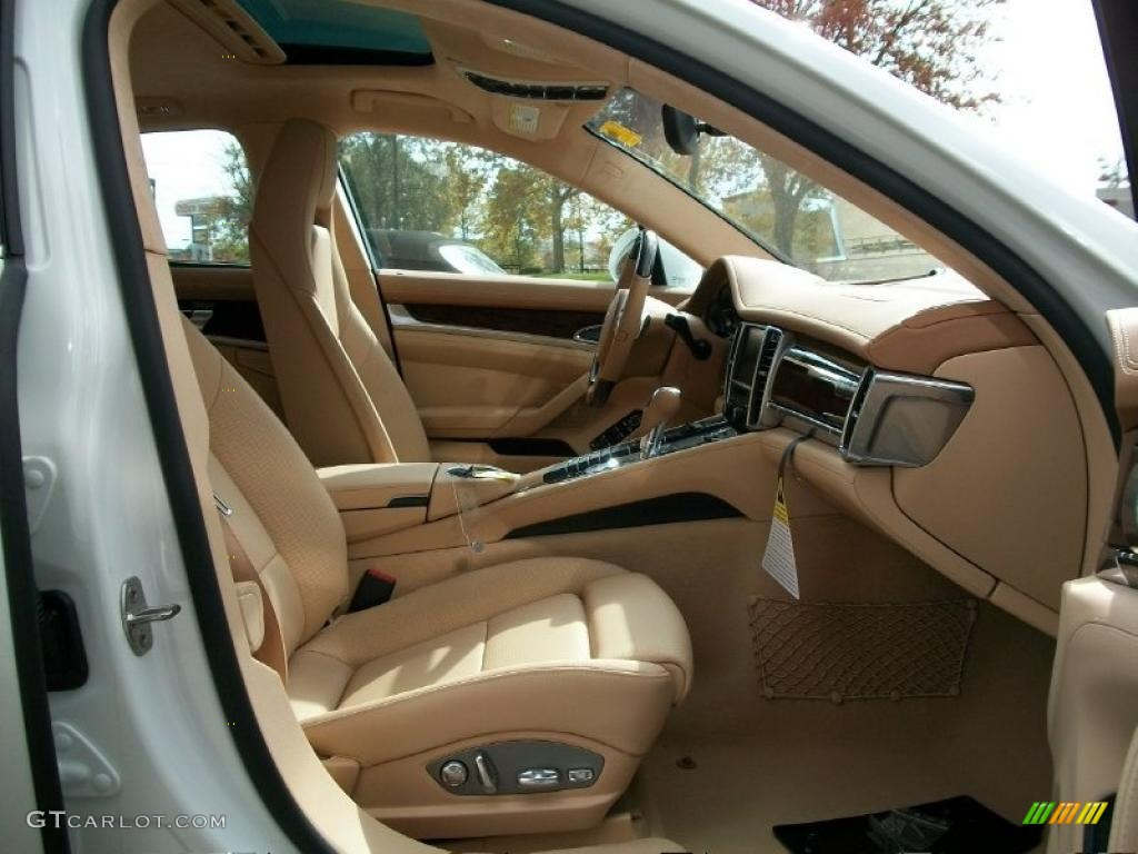 Luxor beige interior 2011 porsche panamera turbo photo 38779000 for Porsche panamera interior dimensions