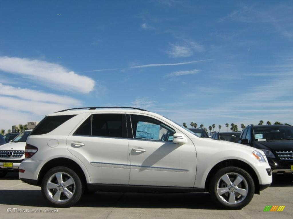arctic white 2011 mercedes benz ml 350 exterior photo 38807416. Black Bedroom Furniture Sets. Home Design Ideas
