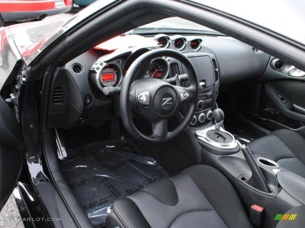 2009 nissan 370z interior