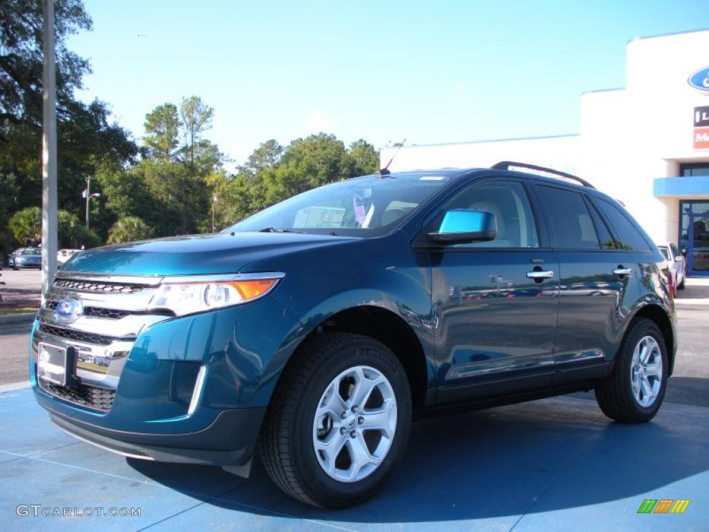 Teal Ford Edge http://gtcarlot.com/colors/car/38794523-2.html