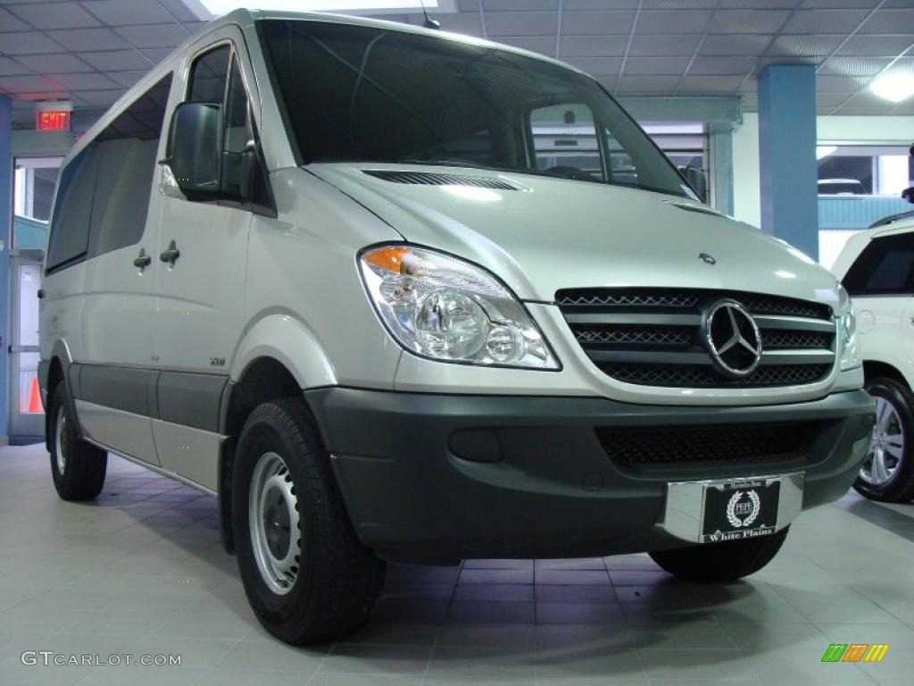 Brilliant silver metallic 2010 mercedes benz sprinter 2500 for 2010 mercedes benz 2500