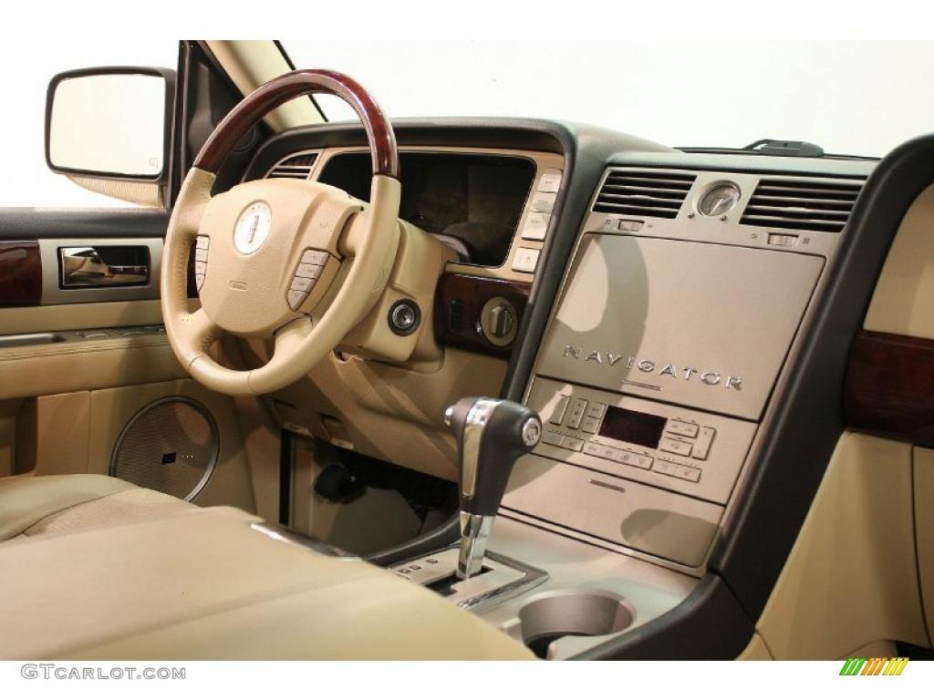 2005 Lincoln Navigator Ultimate 4x4 Interior Photo 38927054