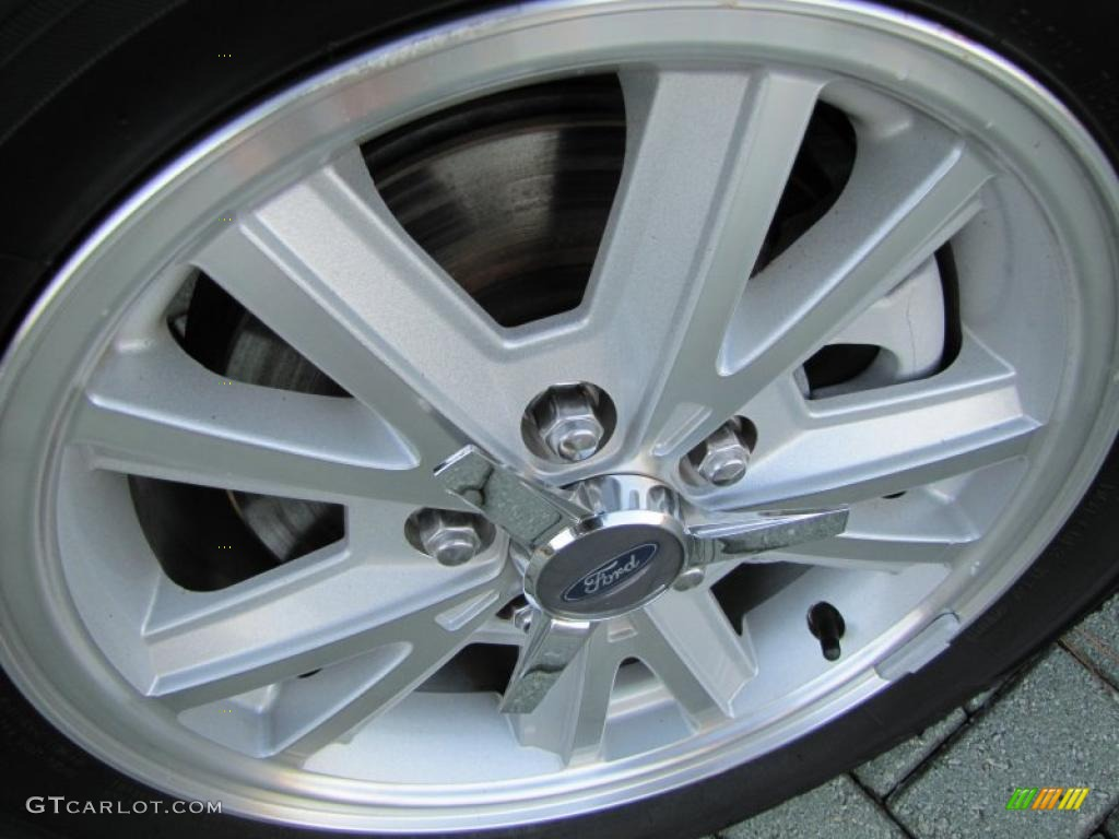 2006 Ford Mustang V6 Deluxe Convertible Wheel Photo #38972916