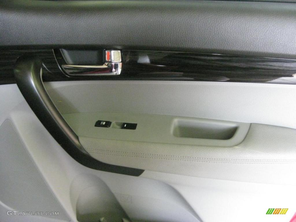 2011 Sorento LX AWD - Spicy Red / Gray photo #21