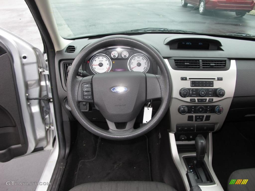 2008 Ford Focus Se Sedan Charcoal Black Dashboard Photo 39035423