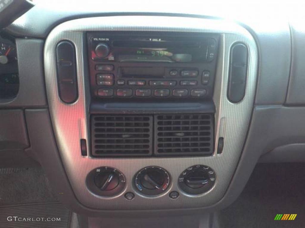 2003 Ford Explorer XLT Controls Photo #39054656