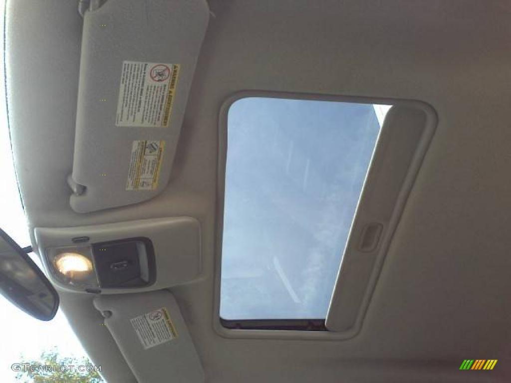2003 Ford Explorer XLT Sunroof Photos