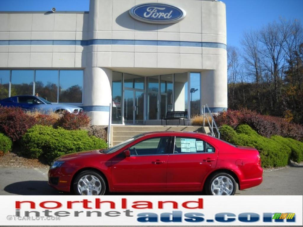 2011 Fusion SE - Red Candy Metallic / Camel photo #1