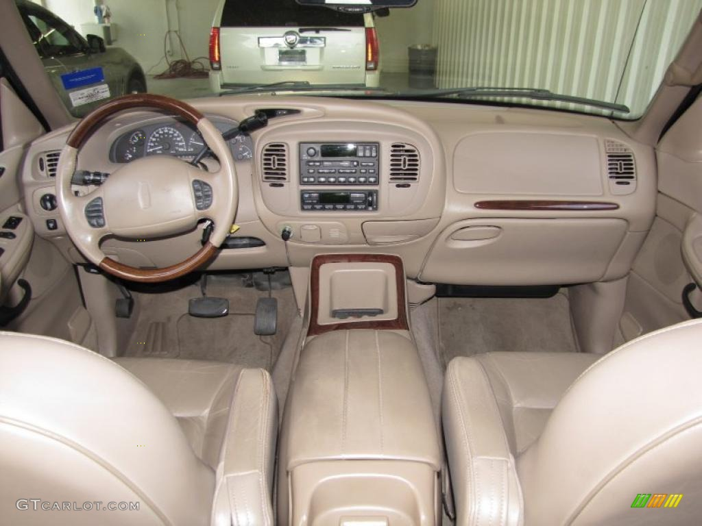 1999 lincoln navigator standard navigator model dashboard. Black Bedroom Furniture Sets. Home Design Ideas