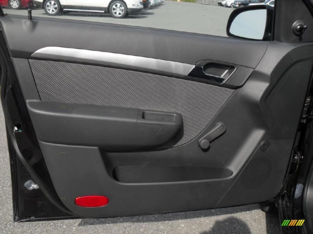 2010 Chevrolet Aveo LT Sedan Charcoal Door Panel Photo  39099534