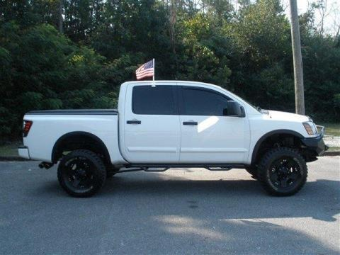 2008 nissan titan pro 4x crew cab 4x4 data info and specs. Black Bedroom Furniture Sets. Home Design Ideas