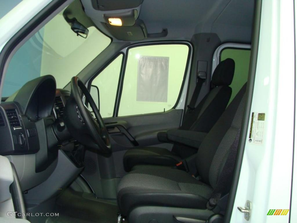 2010 Mercedes Benz Sprinter 2500 Cargo Van Interior Photo 39131383