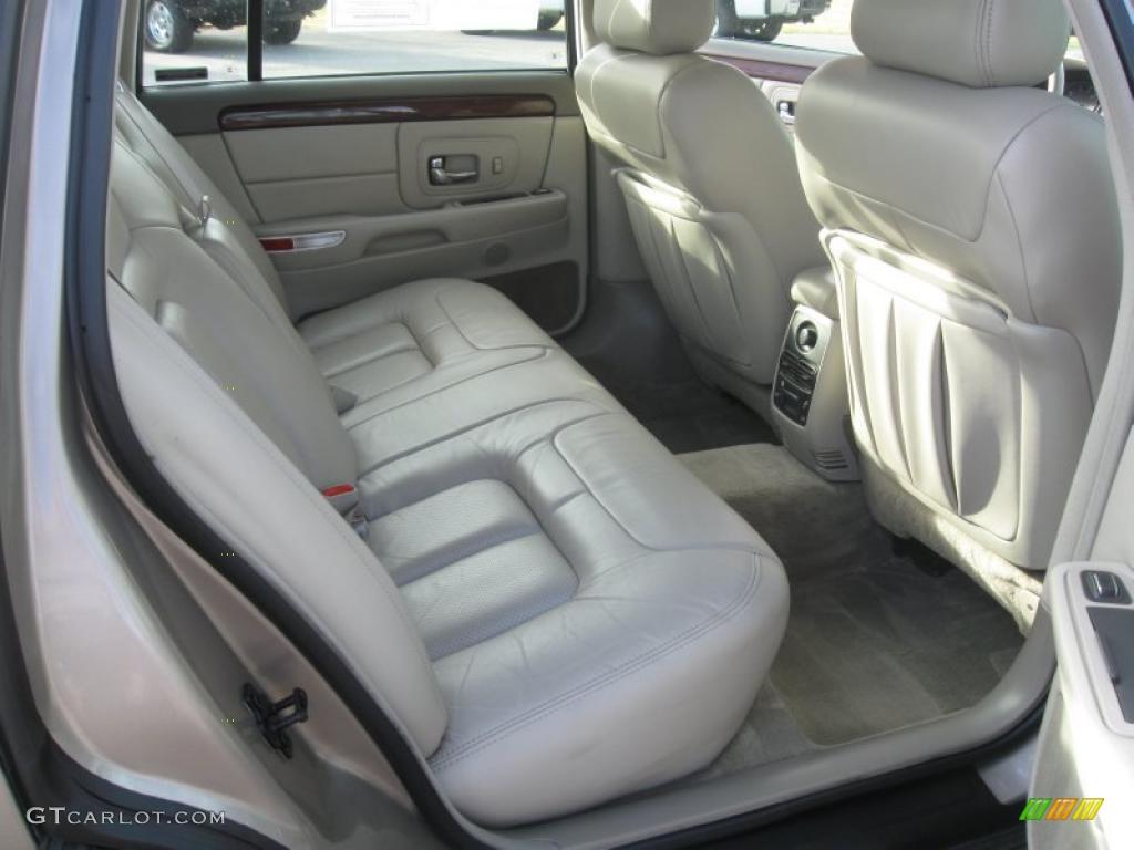 Neutral Shale Interior 1999 Cadillac Deville Sedan Photo 39156833
