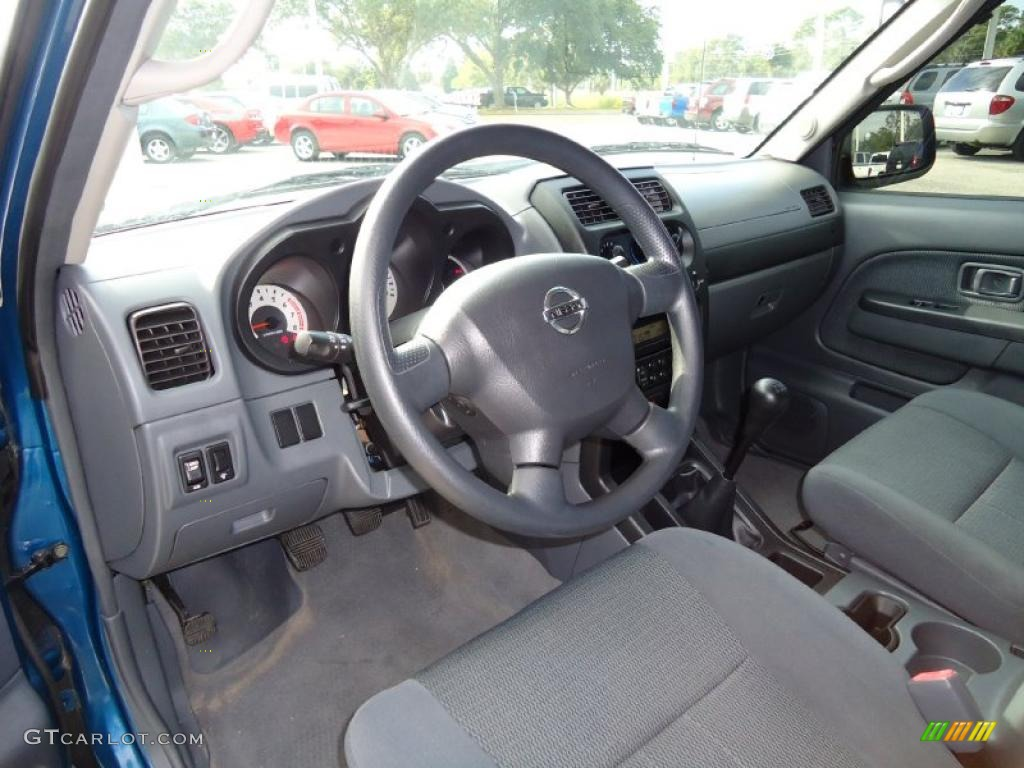 Gray Interior 2004 Nissan Frontier Xe King Cab Photo 39201447
