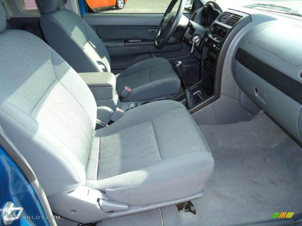 Gray Interior 2004 Nissan Frontier Xe King Cab Photo 39201551