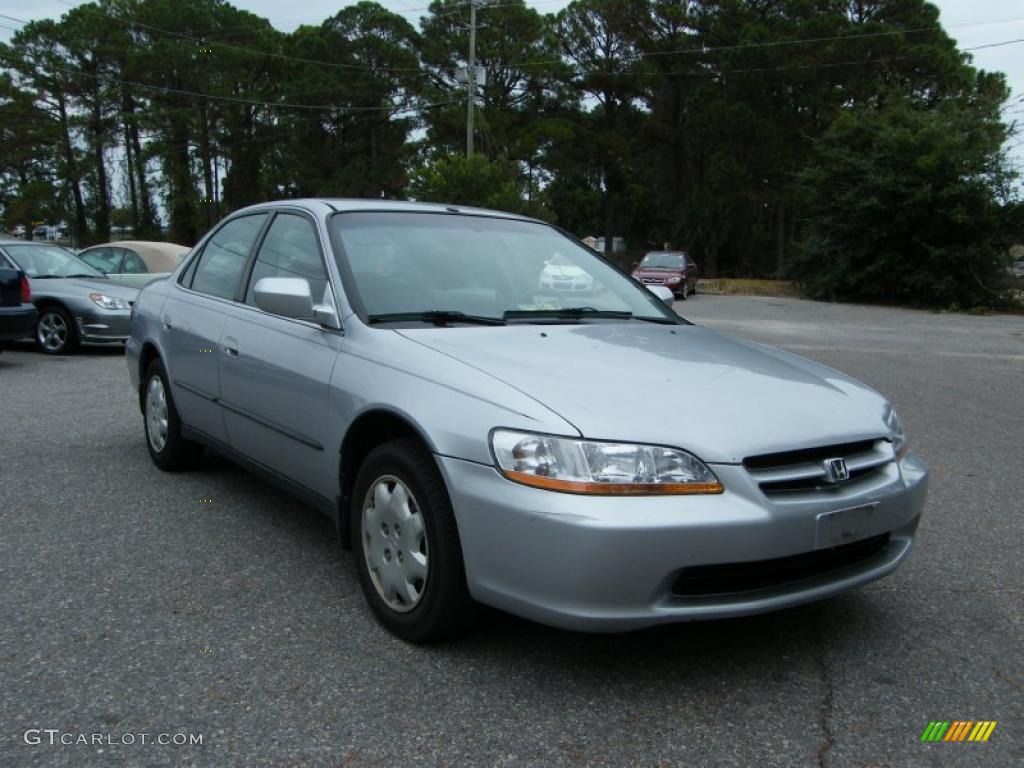 Satin Silver Metallic 2000 Honda Accord Lx Sedan Exterior