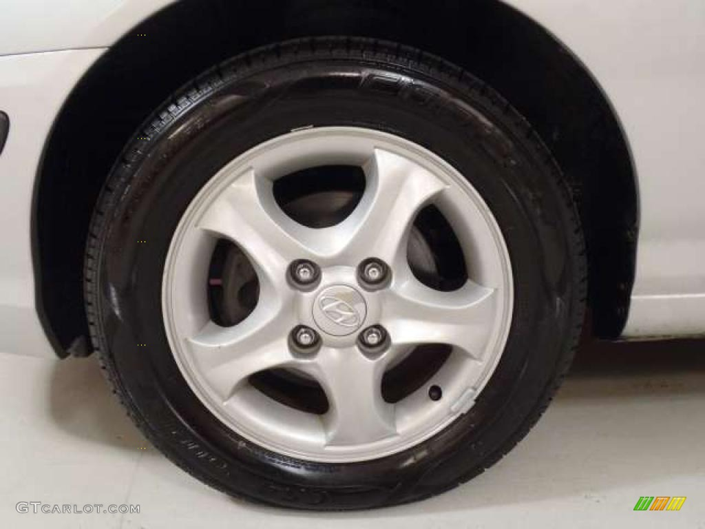 2006 Hyundai Elantra Gt Hatchback Wheel Photo 39264575 Gtcarlot Com
