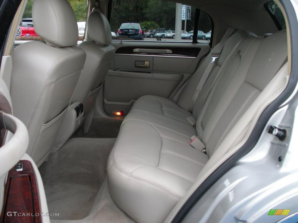 medium light stone interior 2006 lincoln town car signature limited photo 39274715. Black Bedroom Furniture Sets. Home Design Ideas