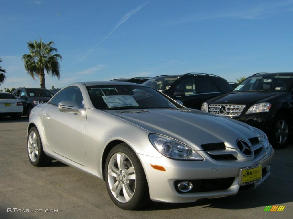 2010 iridium silver metallic mercedes benz slk 300 for 2010 mercedes benz slk