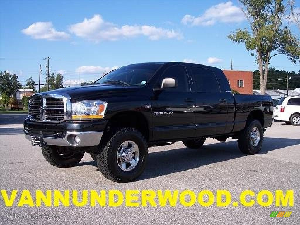 2006 Ram 1500 SLT Mega Cab 4x4 - Black / Medium Slate Gray photo #1