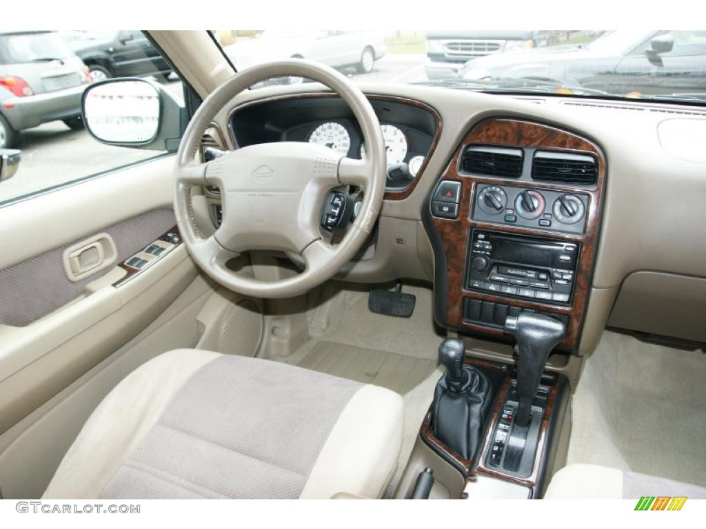 2000 Nissan Pathfinder Se 4x4 Parchment Dashboard Photo