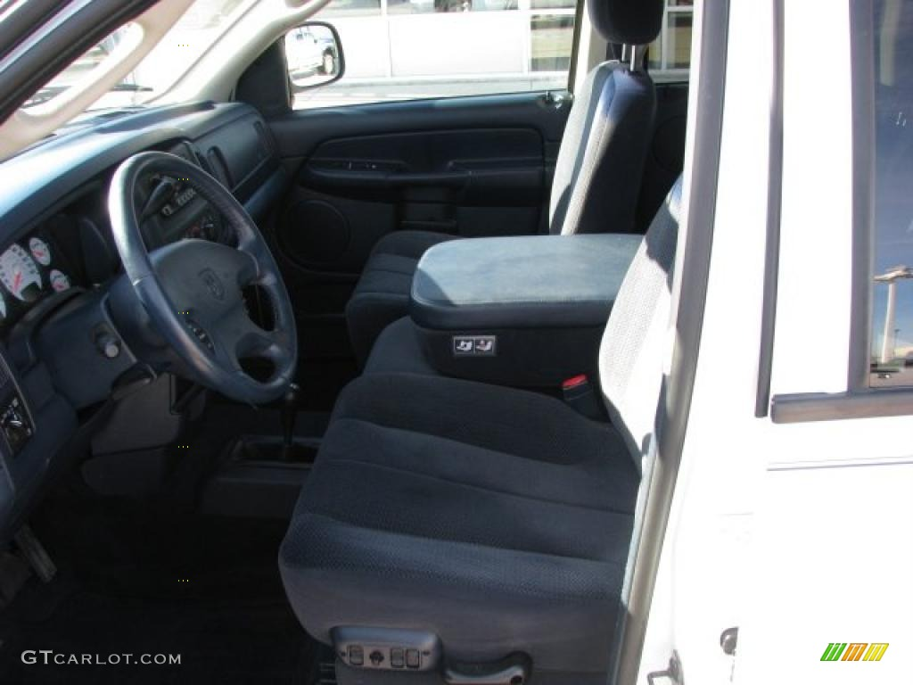 2002 Ram 1500 SLT Quad Cab 4x4 - Bright White / Dark Slate Gray photo #4