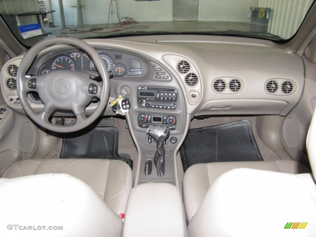 2005 pontiac bonneville sle dashboard photos
