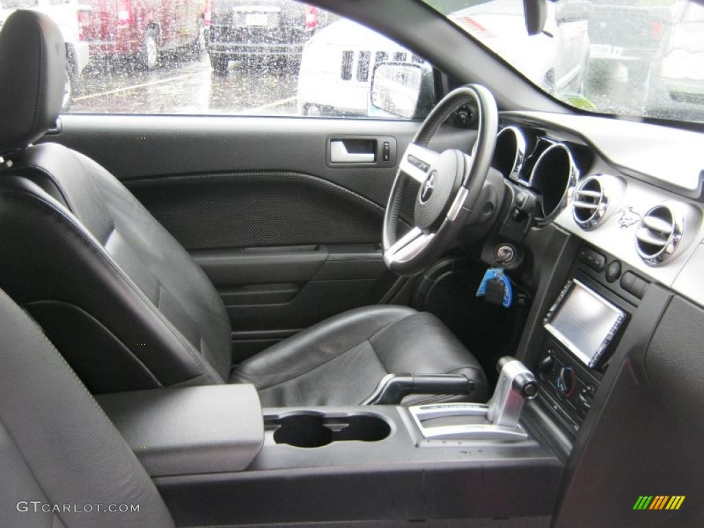 2006 Ford Mustang V6 Premium Coupe Interior Photo 39422062