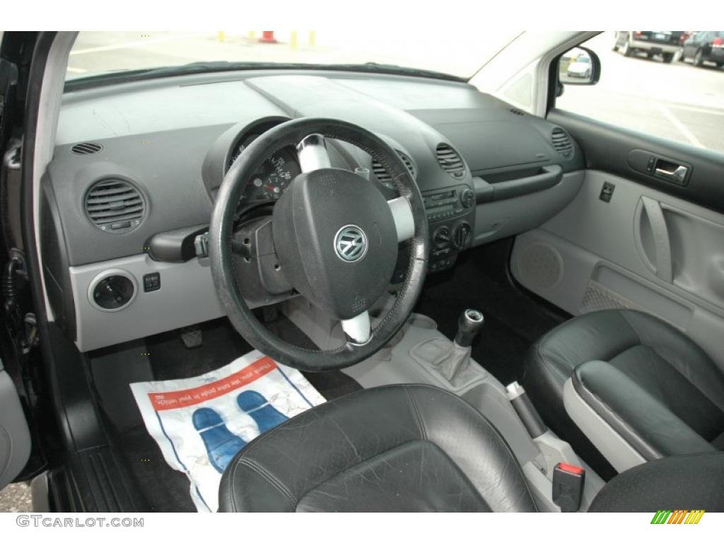 Black Interior 2000 Volkswagen New Beetle Gls Tdi Coupe Photo 39490972
