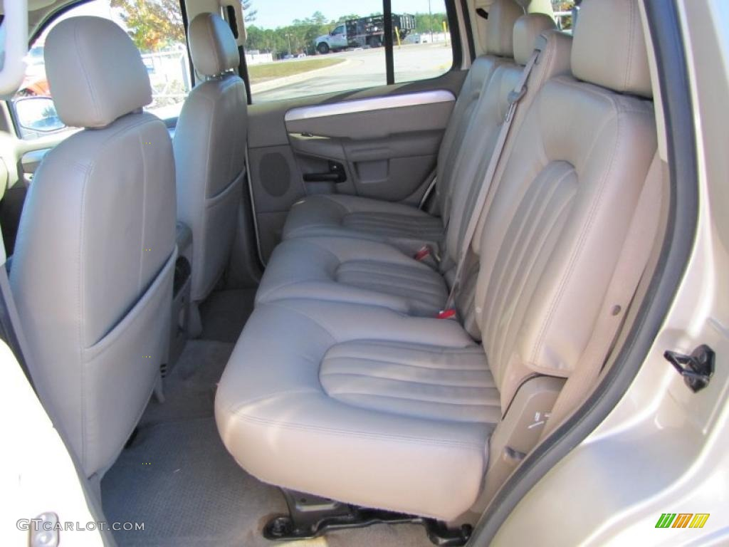 Medium Dark Parchment Interior 2005 Mercury Mountaineer V6 Photo 39494976