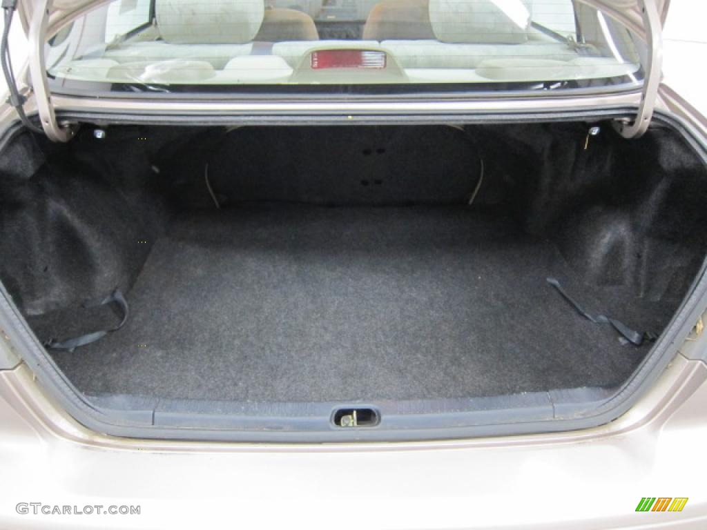 1998 Toyota Corolla LE Trunk Photo 39513480