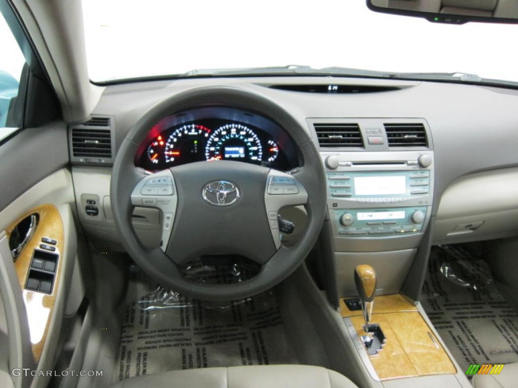 2007 Toyota Camry XLE V6 Ash Dashboard Photo 39536553
