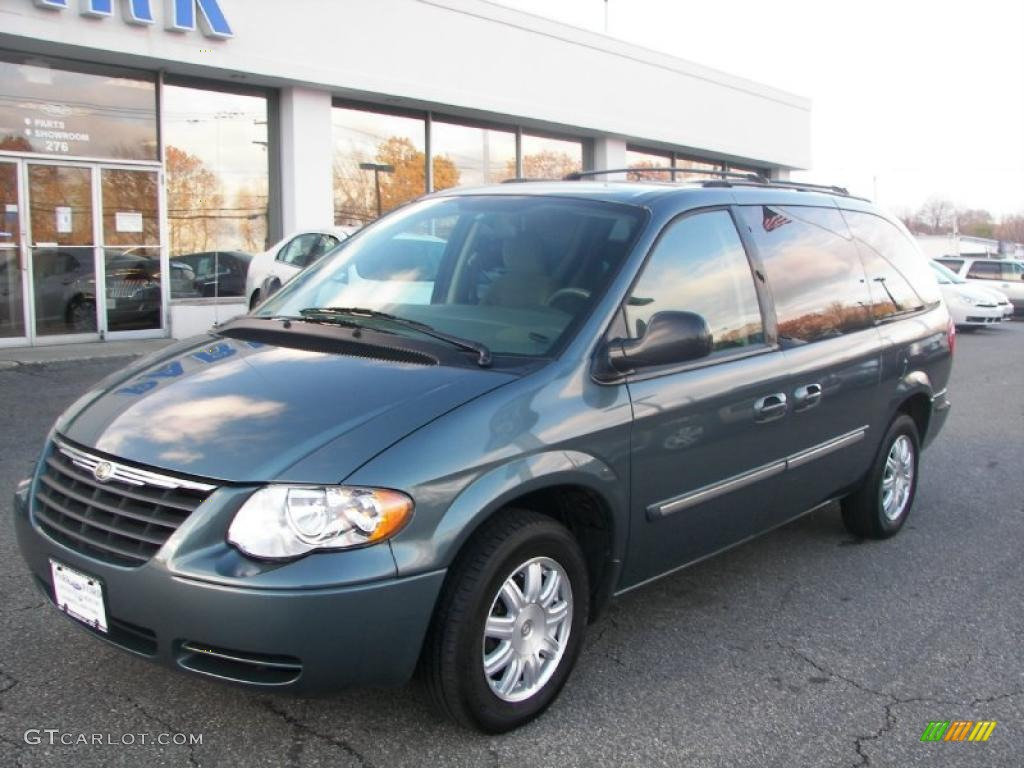 magnesium pearl 2006 chrysler town country touring. Black Bedroom Furniture Sets. Home Design Ideas