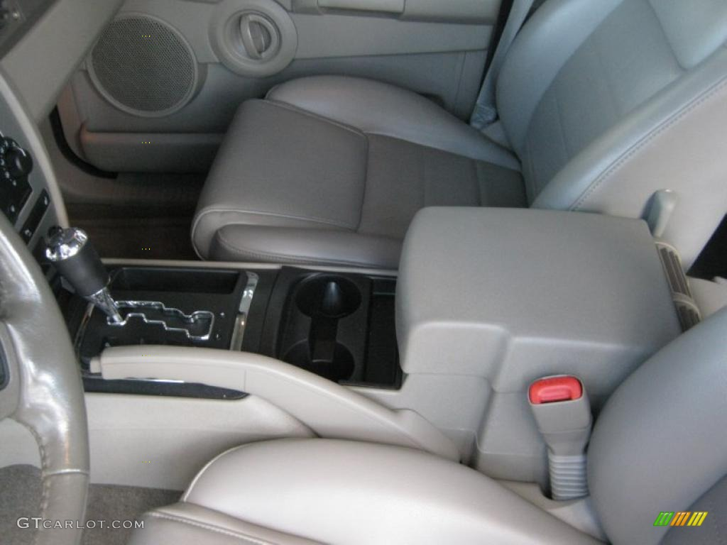 2006 Jeep Commander Standard Commander Model Interior Photo 39619609