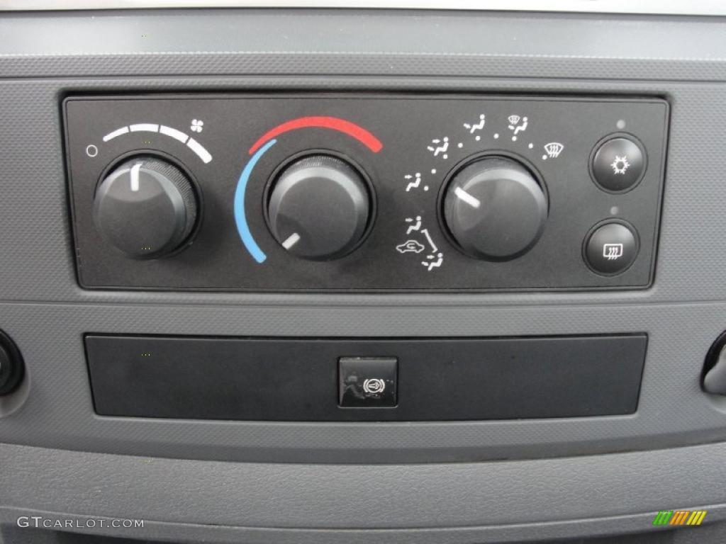 2007 Dodge Ram 3500 SLT Regular Cab 4x4 Dually Controls Photo #39650908