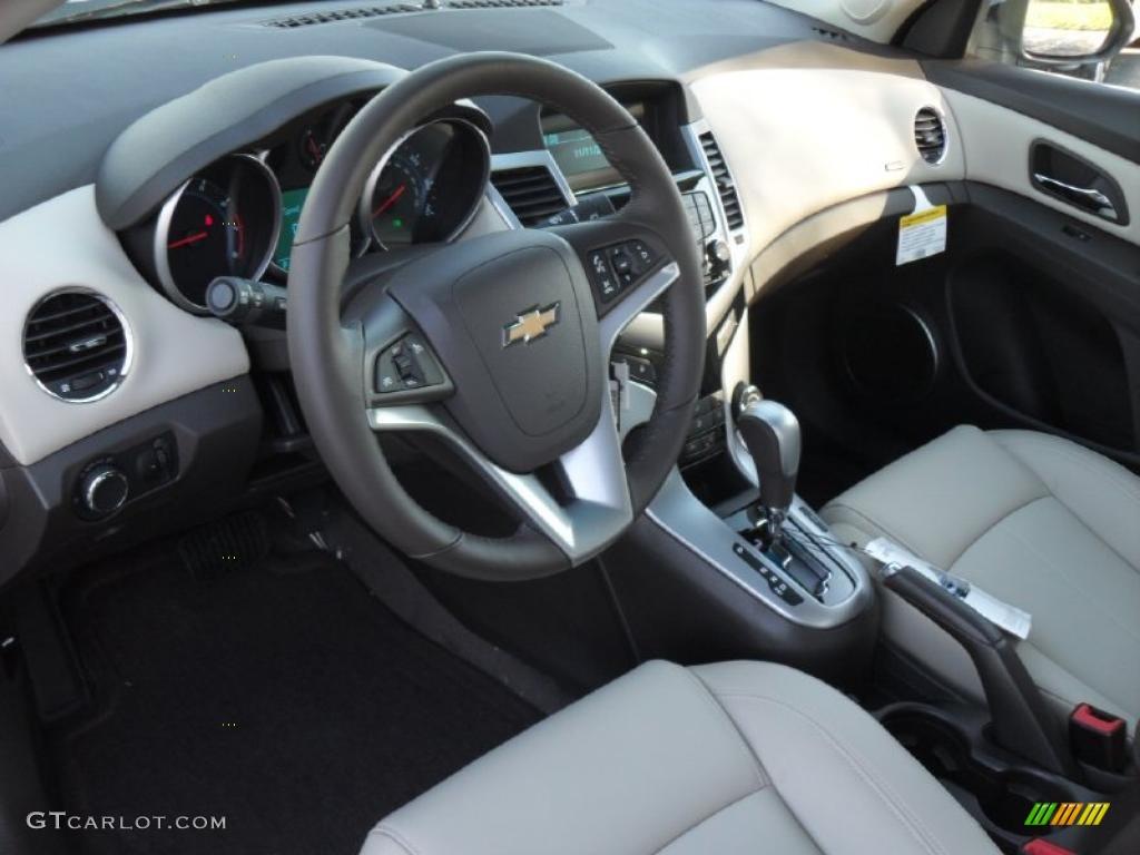 Cocoa Light Neutral Leather Interior 2011 Chevrolet Cruze Lt Photo 39701735