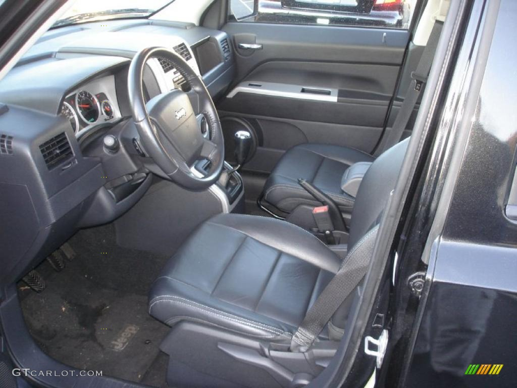 Dark slate gray interior 2008 jeep patriot limited 4x4 for Dark grey interior