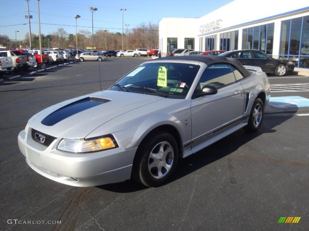 silver metallic 2000 ford mustang v6 convertible exterior. Black Bedroom Furniture Sets. Home Design Ideas