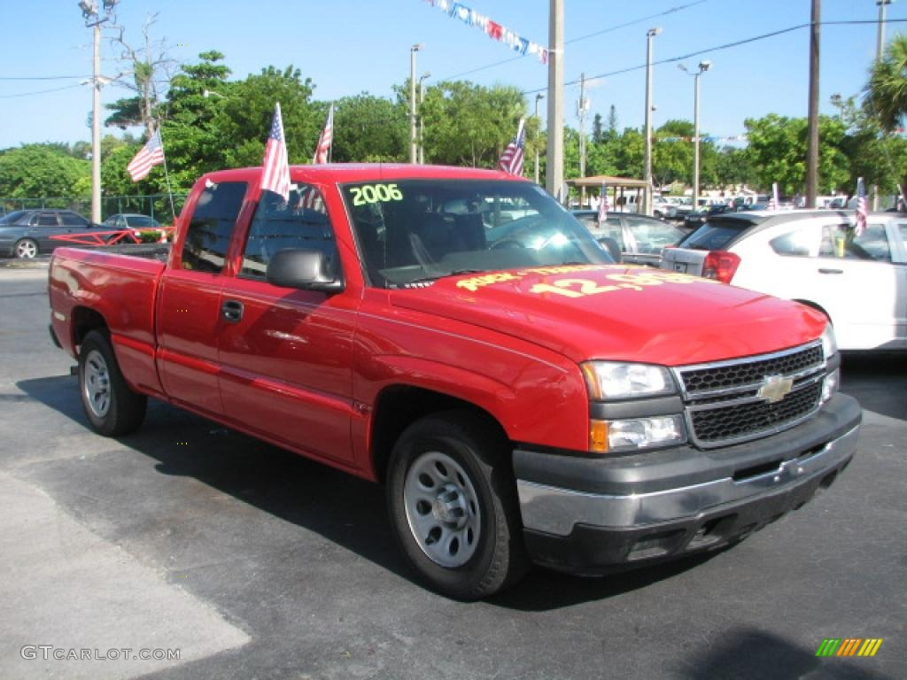 2006 Silverado 1500 Extended Cab - Victory Red / Dark Charcoal photo #1
