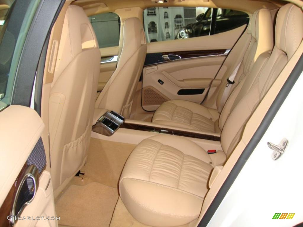 Luxor beige interior 2011 porsche panamera 4s photo 39764094 for Porsche panamera interior dimensions